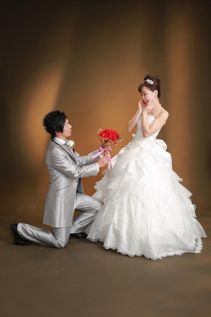 楽しいお二人の結婚写真♡