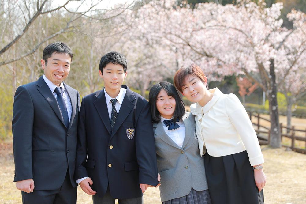 美濃加茂市のさくらの森で双子さんの高校入学フォト 【可児出張フォト】