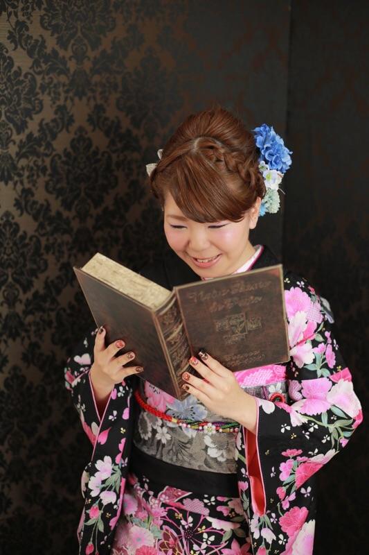 本が大好きなお嬢様♡