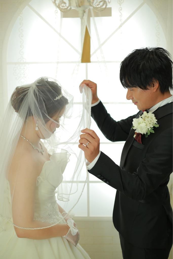 新婚旅行の準備も楽しみながらされているお二人♡