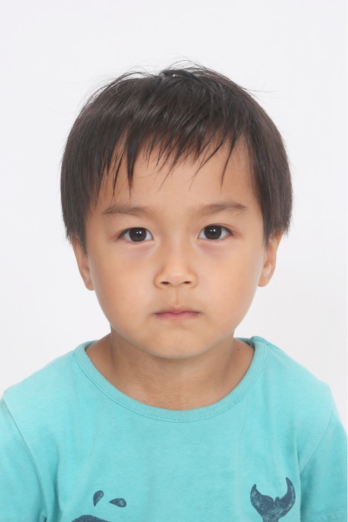 お子様のパスポート写真