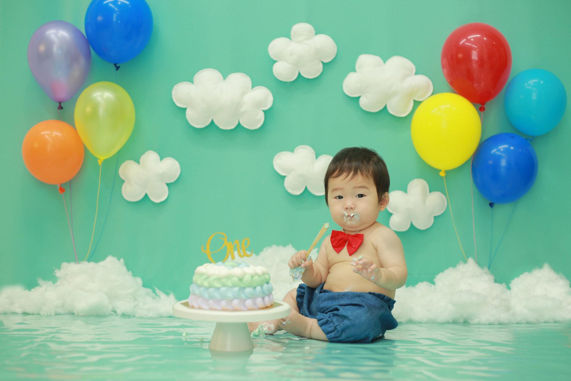 1歳バースデーをカラフルなスマッシュケーキでお祝い☆【大好評のため期間延長!】